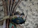 Innenansicht einer alten Landkapelle in Alvros